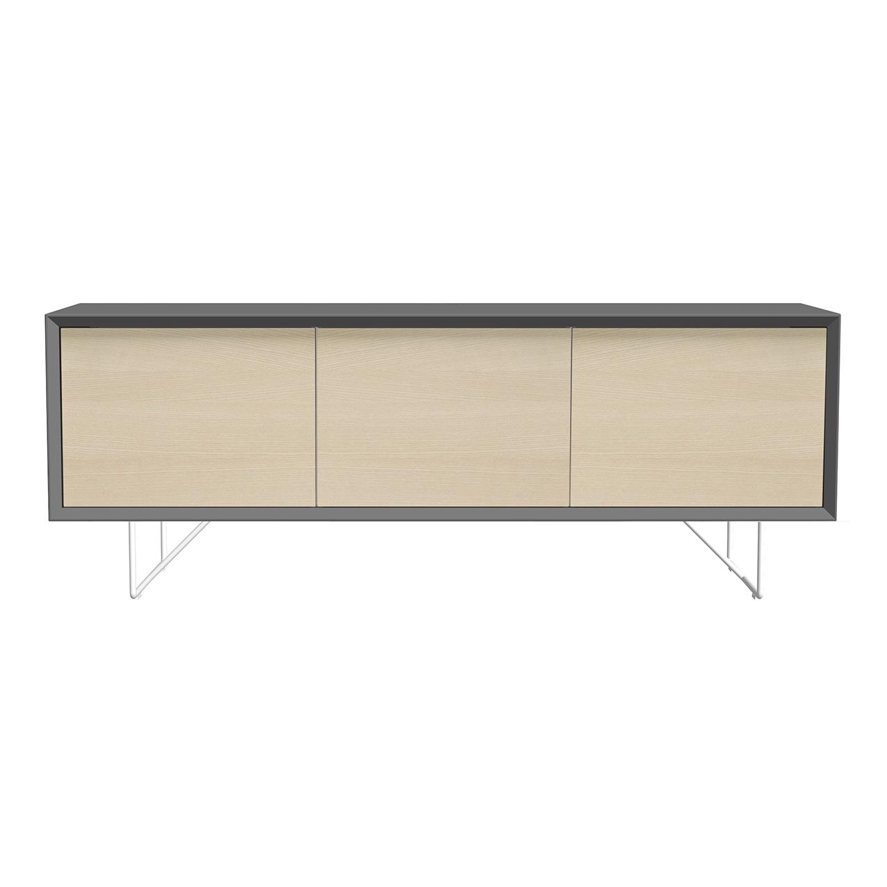 Tv-bänk New Air grå, dörrar i ask, och vita metallben.