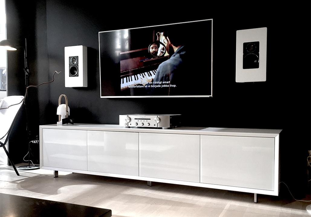 Kända TV-MÖBLER - VÄGGHÄNGDA TV-BÄNKAR - BAGGE DESIGN VO-08